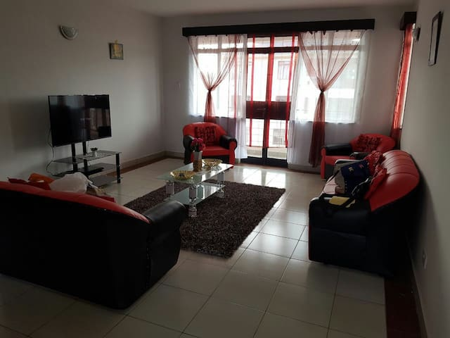 Stylish apartment near Jkia Airport and SRG train)