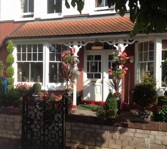 Victorian house. Bedroom 2 double. - Minehead - Rumah