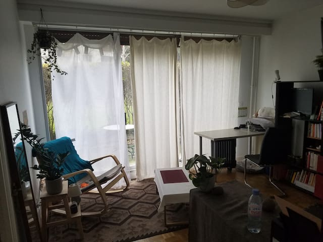 Charmant studio calme avec terrasse