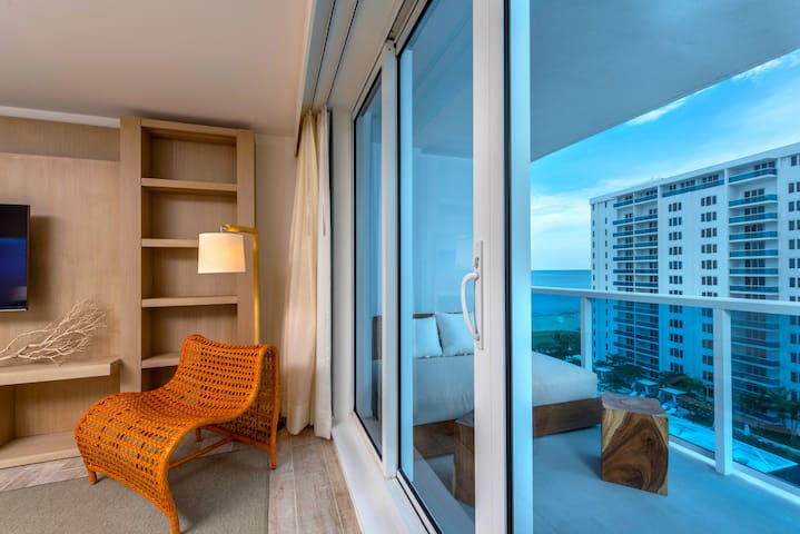 1B Ocean View Condo within Luxury Hotel - 906