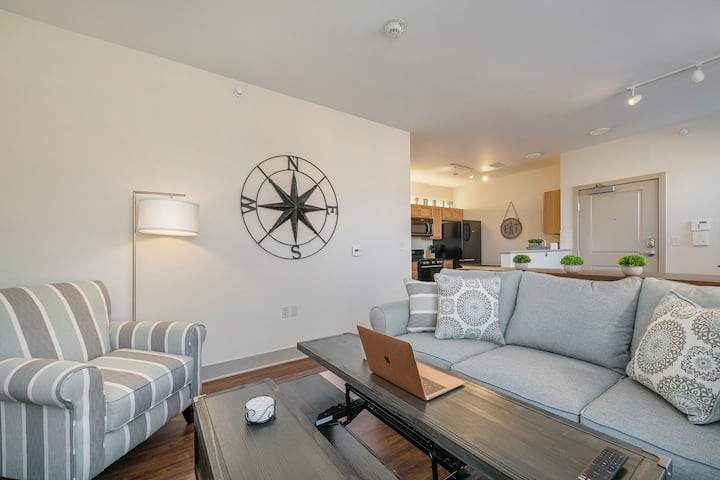 Stylish Riverwalk 1 Bd, Great for Business/LngTerm