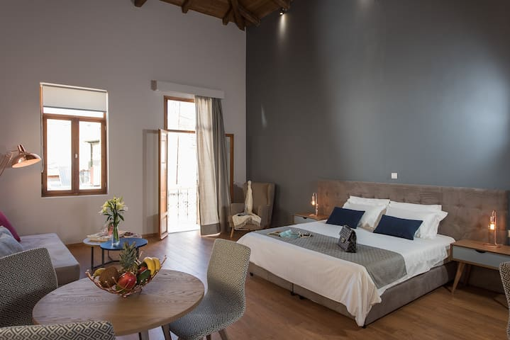 Bluebell Deluxe suite - Chania - Bed & Breakfast