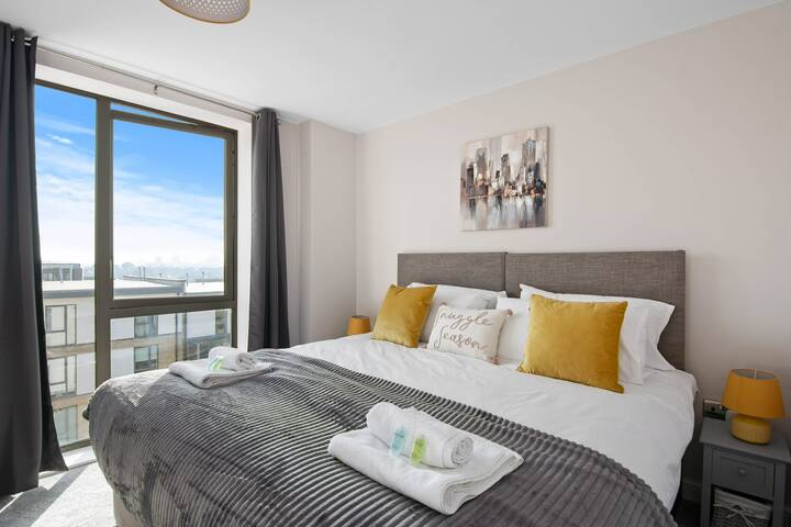 ✪ Spacious & Cosy ✪ Netflix ✪ Parking ✪  Next to Colindale Station