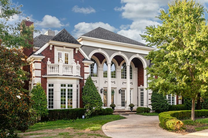 Kentucky Derby House Rental, Luxury Mansion
