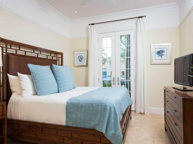 Bianca Sands Resort - 1 Bedroom Ocean Front Suite