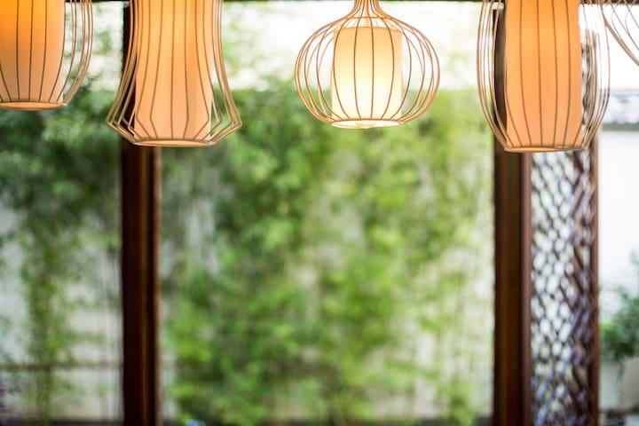 餐厅灯 Dining Room Light