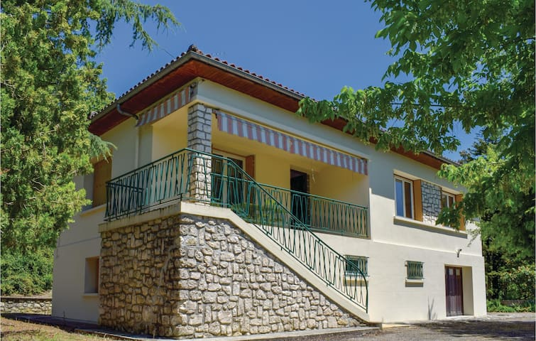 Holiday cottage with 3 bedrooms on 90m² in Penne D'Agenais