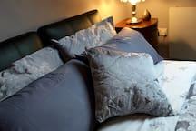 Bedroom 3: Double bed