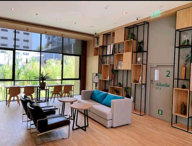 Nana四面佛/酒吧街.豪华1bedroom.Near MRT and BTS提供接机服务