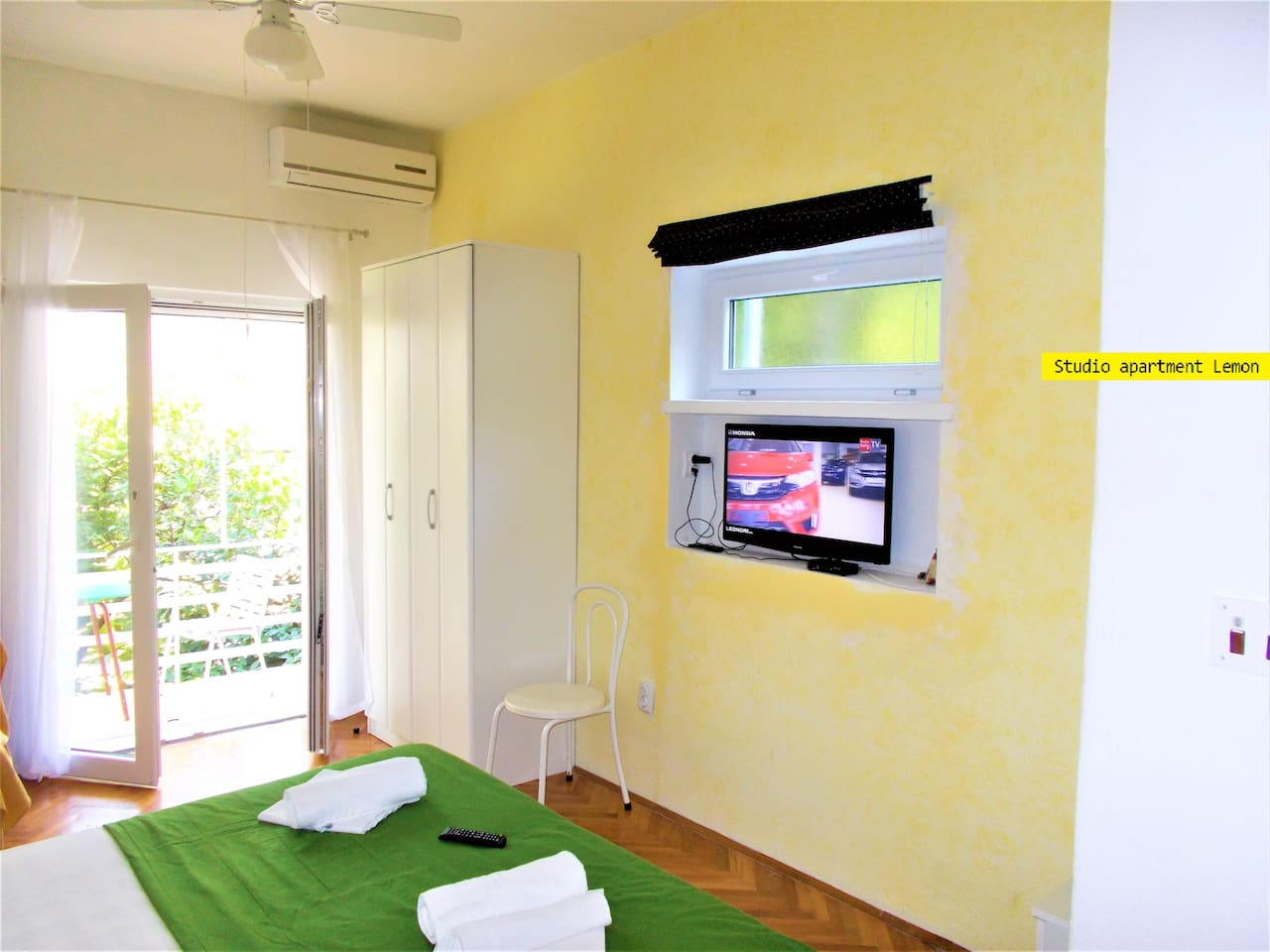 Room with terace. FLAT TV, AIR CONDITION, SEILING FAN..