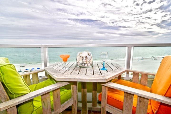 Oh La La! Gulf Front 2 BR Orange Beach -Pets ok!