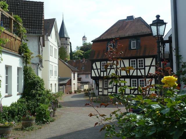 Bad Homburger Altstadt-Traum - Top mit eigenem Bad