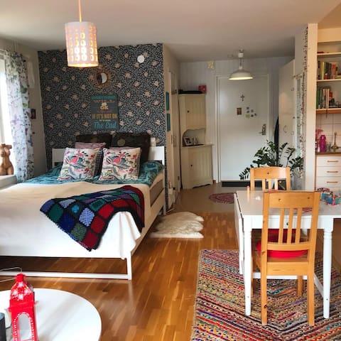Mysig 2:a, bekvämt & vackert i centrala Örebro 😊
