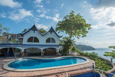 Ocean View/front Villa in Punta Leona - Herradura - Villa