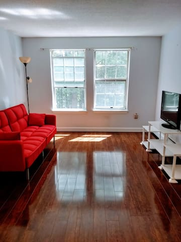 Lebanon2br/1ba condo Near Dartmouth College/DHMC