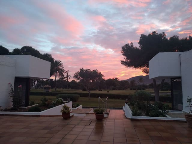 Cosy, refurbished, 2-bed bungalow (La Manga Club) - Near Atamaria - Bungalou