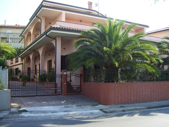 Bellissima Villa a soli 5 min dal centro