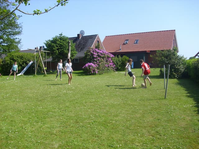Friesenhaus an der Nordseeküste - Holtgast - Huis