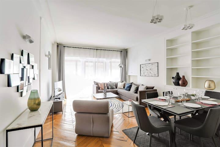 Magnificent 2 bdr apartement - St-Germain