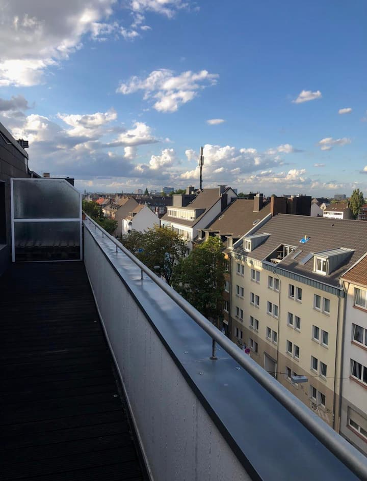 Penthouse View in Oberbilk
