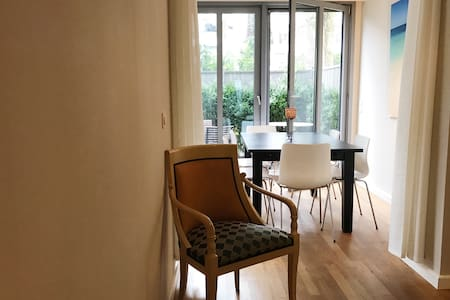 Central, bright & quiet with patio - Hamburg - Apartament