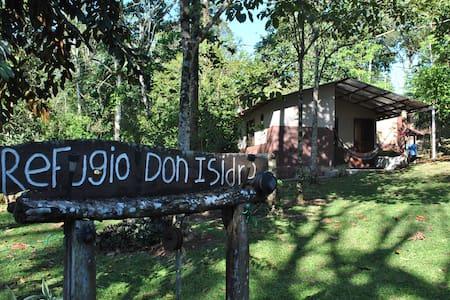 ## Refugio Don Isidro Cabaña Amarilla