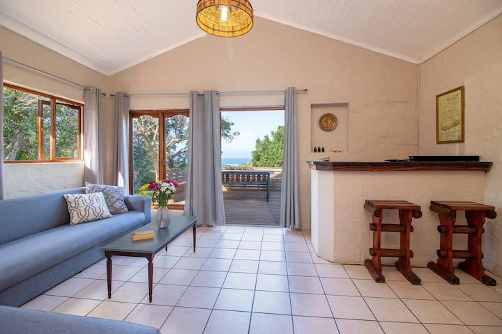 UMTUNZI GUEST HOUSE: Modern Farm Stay