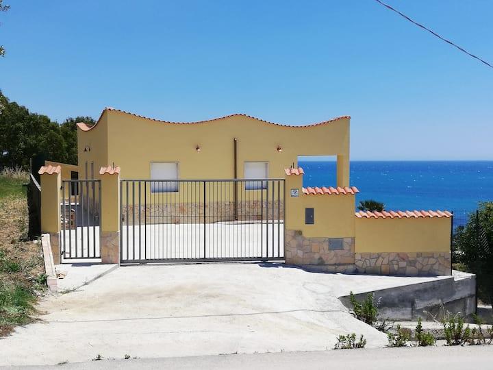Villa Fiorella indipendente 100 metri dal mare