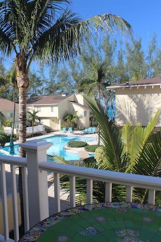 Sunrise Beach Villas #12A - Paradise Island  - วิลล่า