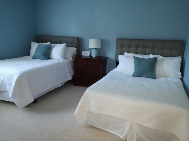 (two) double bed bedroom upstairs