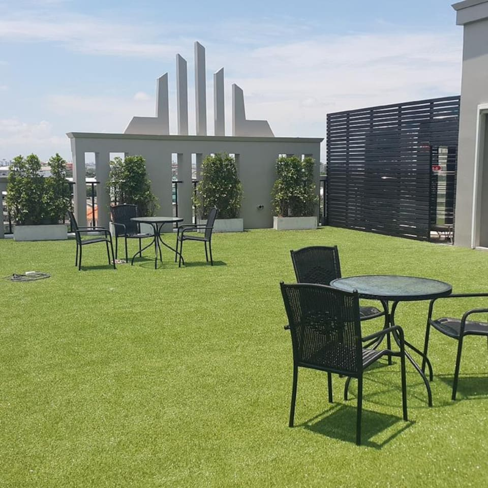 Roof top with 360 degree view