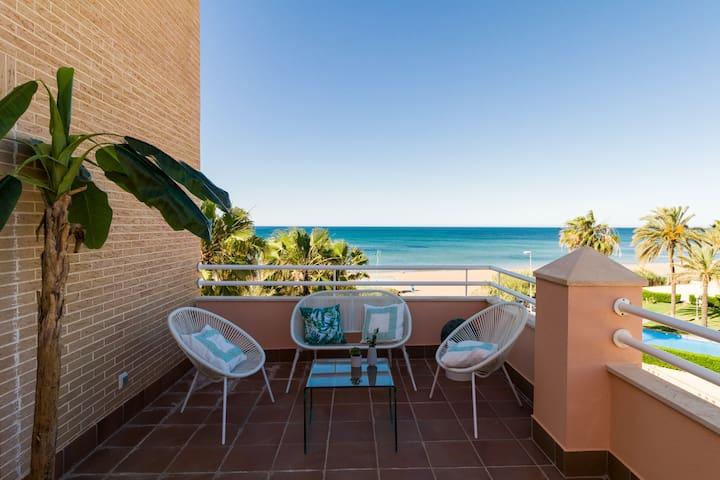 Ático primera línea y piscina privada en terraza