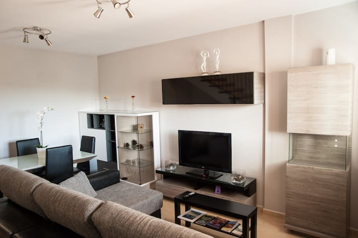 Well Equipped, Calm & Nice Duplex - Canary Islands - Ingenio - Hus