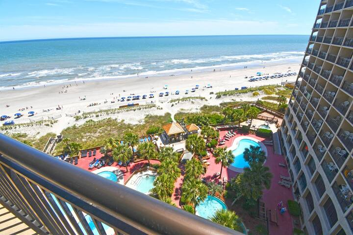 ❤️Fabulous Oceanfront Tropical Location, TIKI HUT, Heated Pools, Lazy River