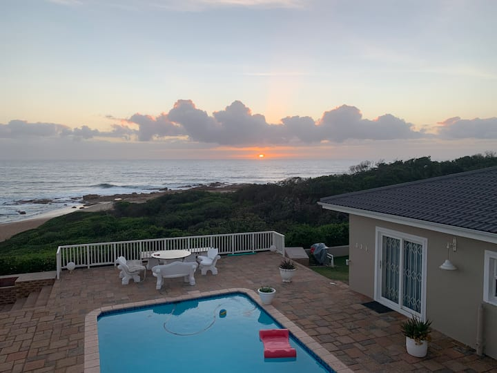 Sunrise on Stiebel Rocks - Beachfront