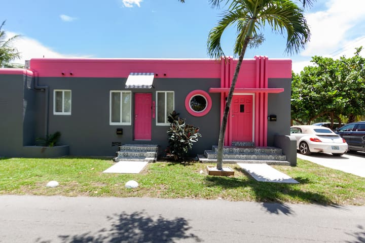 HOLLYWOOD FL★TRENDY PRIVATE SUITE, CLOSE TO BEACH