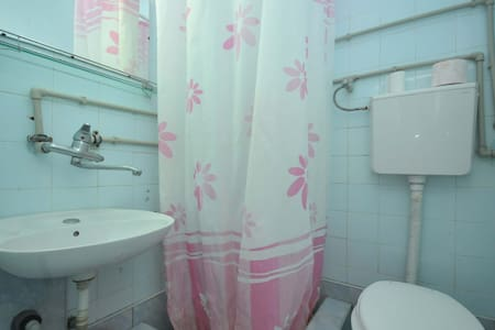Standard DOUBLE Room in Petrovac - Palm Gardens - Petrovac - Apartment - 2
