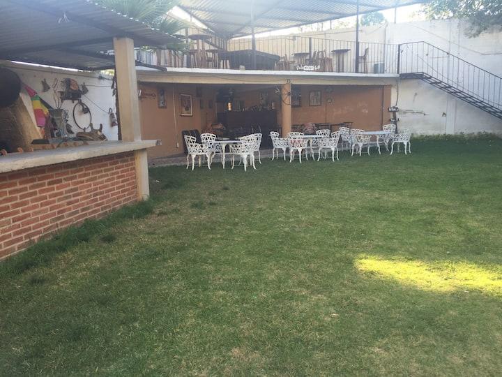 """""""La bonita"""" Casa entera con jardín"""