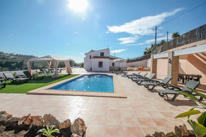 Finca La Verema - holiday home with private swimming pool in Benissa