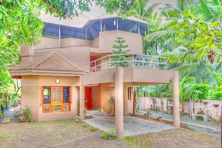 AmandaVille 4: #LuxuryRooms@BudgetPrice in Cochin - Ernakulam - Villa