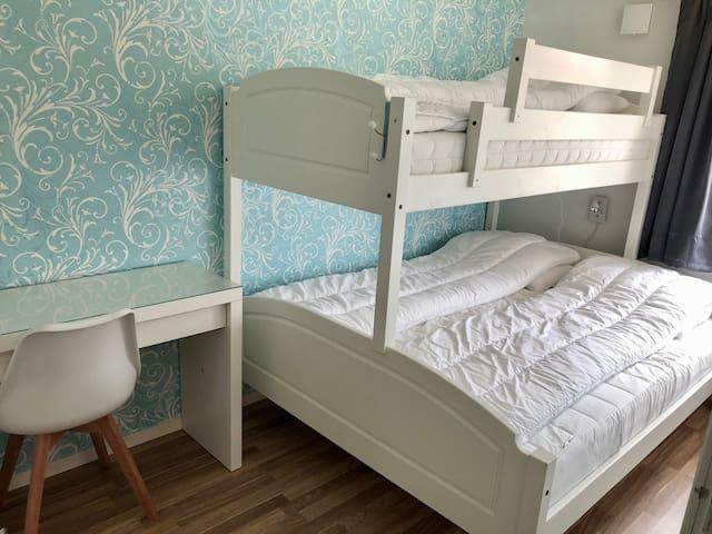 Bedroom 3 - 3 beds