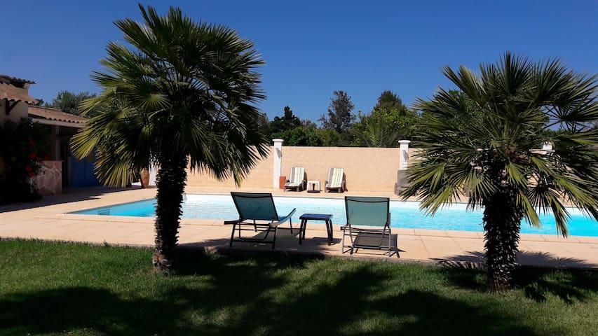 Gîte aux saveurs des agrumes Corses avec piscine