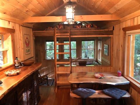 獨特的農村阿迪隆達克小木屋