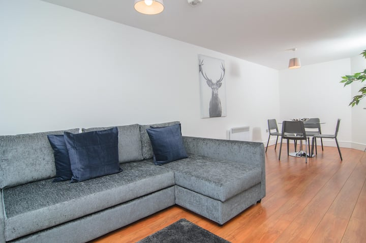 Luxury Two Bedroom Apartment In Liverpool