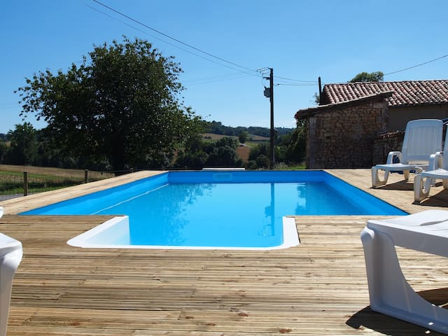 Gite- fully self contained, with pool and garden - Brie-sous-Chalais - Casa