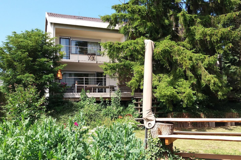 Casa78, Blick aus dem Garten