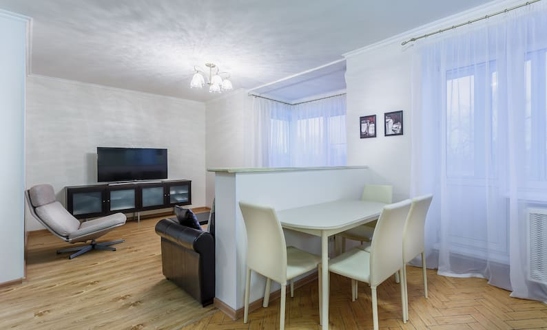 Comfortable 1 bedroom apartment near Belorusskaya