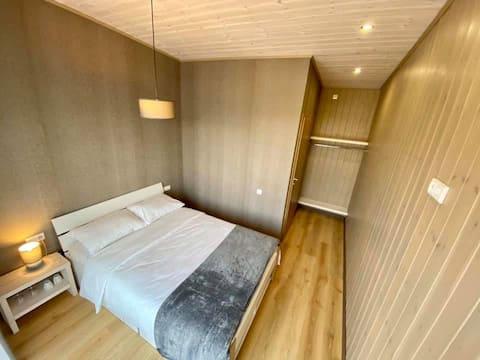 Private double bedroom + bathroom