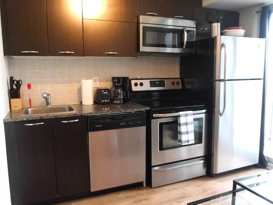 Great kitchen with stainless steel appliances