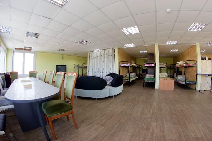 8-местная комната в хостеле для больших групп